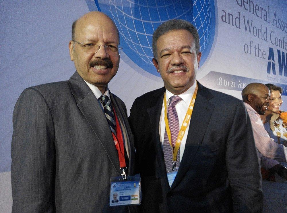 Dr. Nasim Zaidi CEC with Mr. Leonel Fernandez, Former President, Dominican Republic