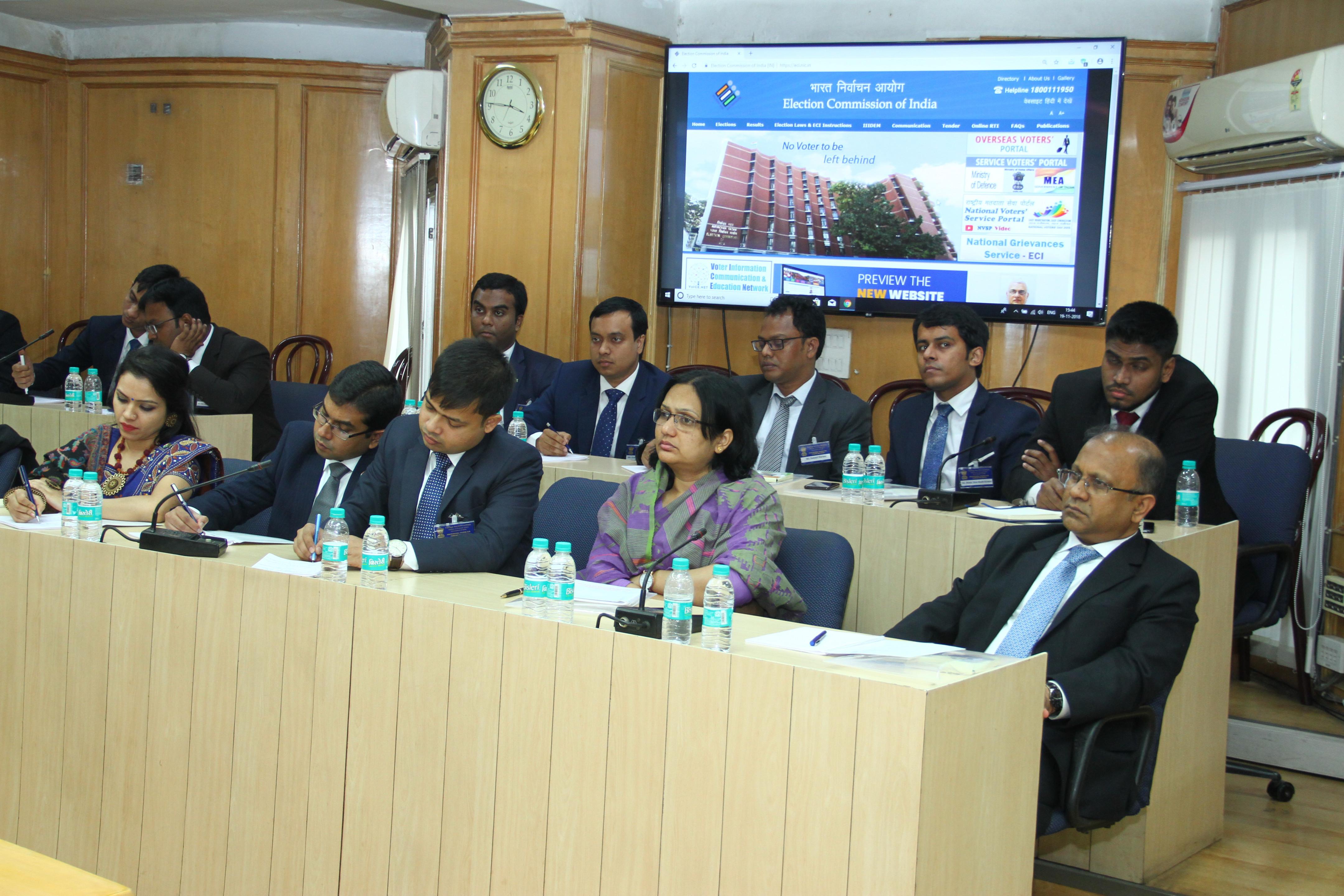 19 नवंबर, 2018 को  बांग्लादेश  के 23 राजनयिकों का भारत निर्वाचन आयोग का दौरा