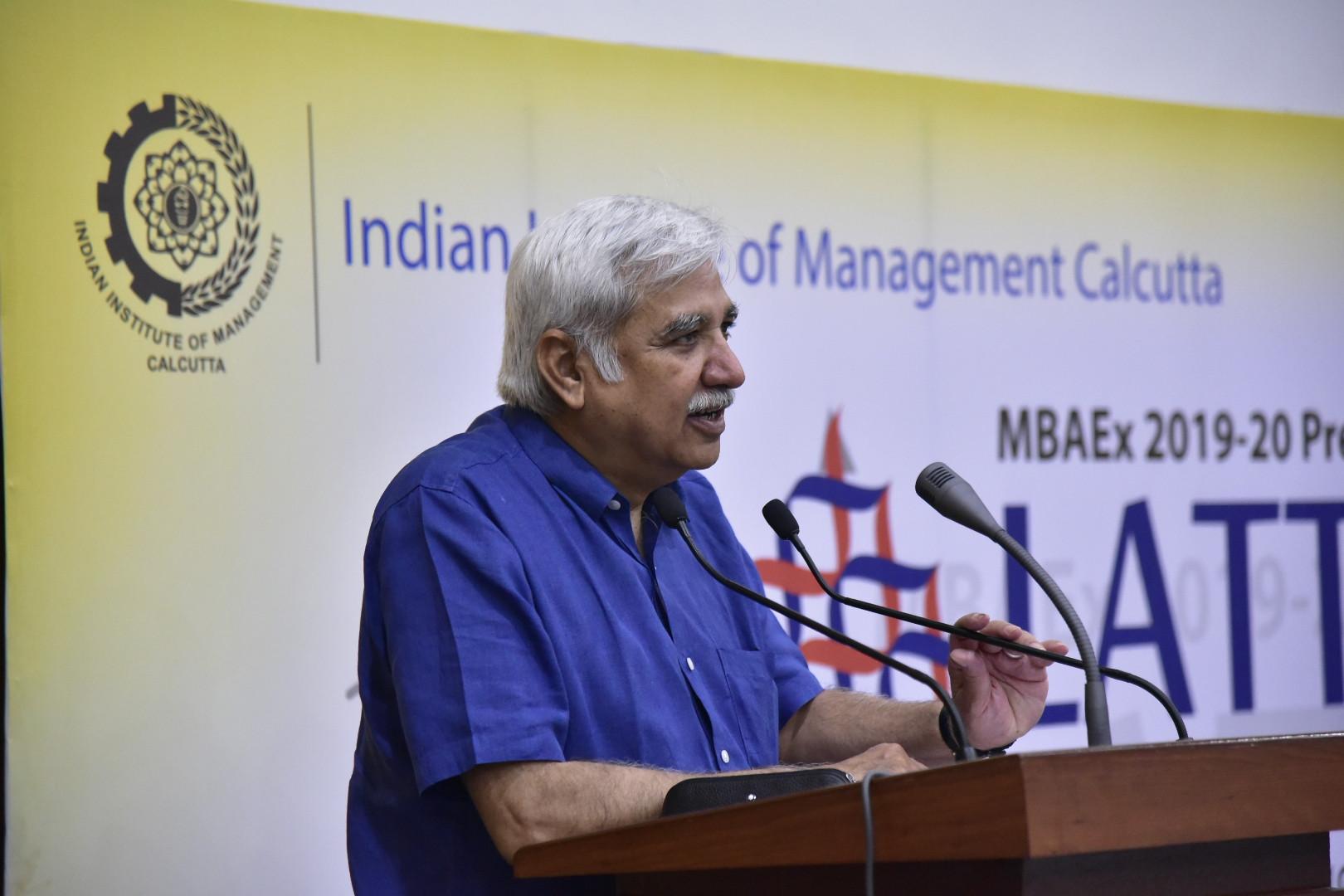 माननीय मुख्य निर्वाचन आयुक्त, श्री सुनील अरोड़ा भारतीय प्रौद्योगिकी संस्थान, कलकत्ता के छात्रों को संबोधित करते हुए
