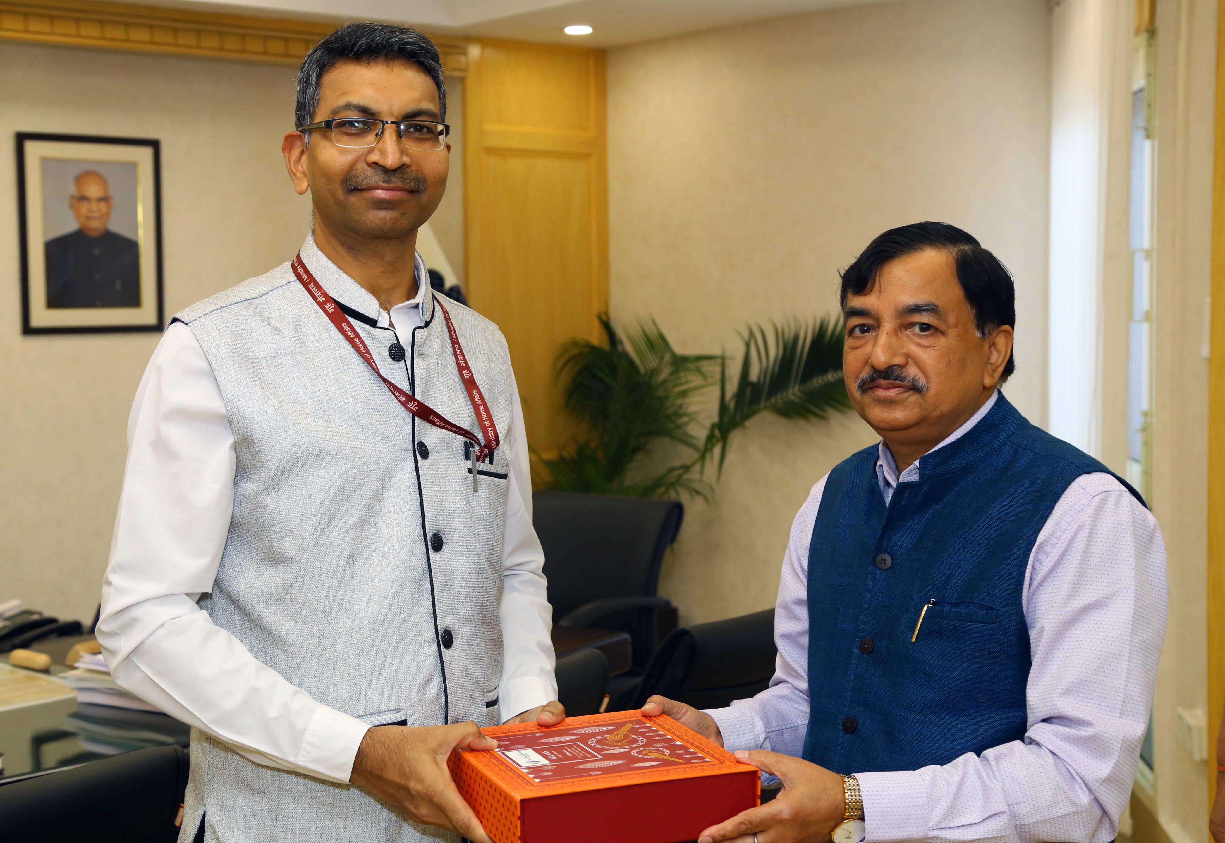 Mr. Prashant Pise, Ambassador of India-designate to Iraq met Mr. Sushil Chandra, Chief Election Commissioner of India on 22nd July, 2021 in Nirvachan Sadan, New Delhi.